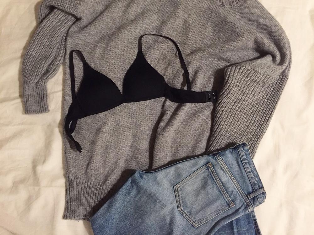 セクシーな下着のお店は街中で見掛けますが、シンプルな下着ってどこで買えば良いか迷いませんか?そこでおすすめしたいのが無印良品で販売している下着です。